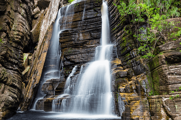 sonhar com água de cachoeira