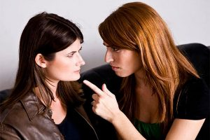 Simpatia para fazer duas pessoas ficarem inimigas