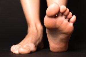 simpatia do pé esquerdo