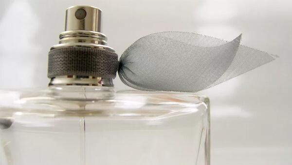sonhar com perfume significado