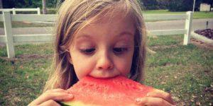 sonhar que come melancia