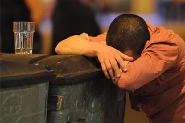Sonhar com bêbado: o que isso significa?
