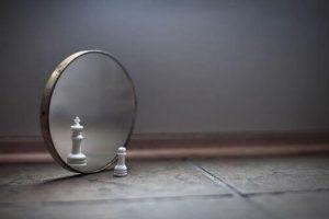 sonhar com espelho significado