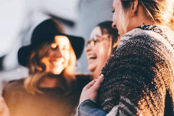 Sonhar com pessoas desconhecidas: o que significa?