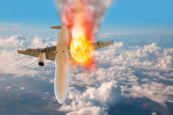 Sonhar com avião caindo: o que isso significa?