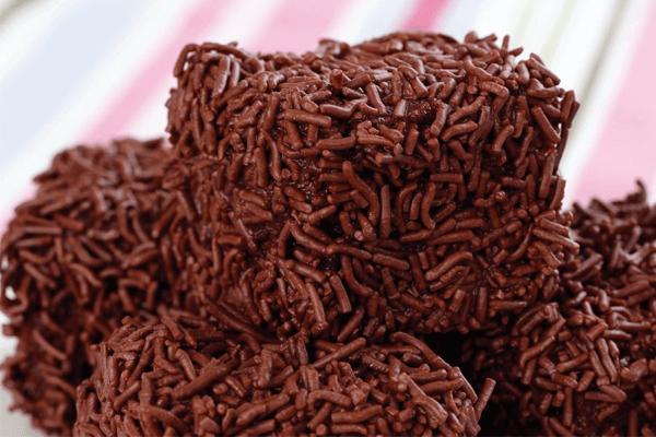 Sonhar com bolo de chocolate: quais são os significados?