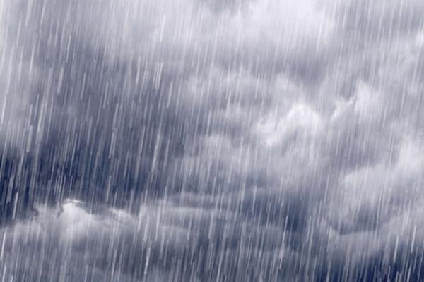 Sonhar com chuva forte: o que isso significa?