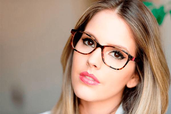 Sonhar com óculos: o que isso quer dizer? Veja aqui