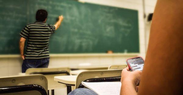 Sonhar com sala de aula