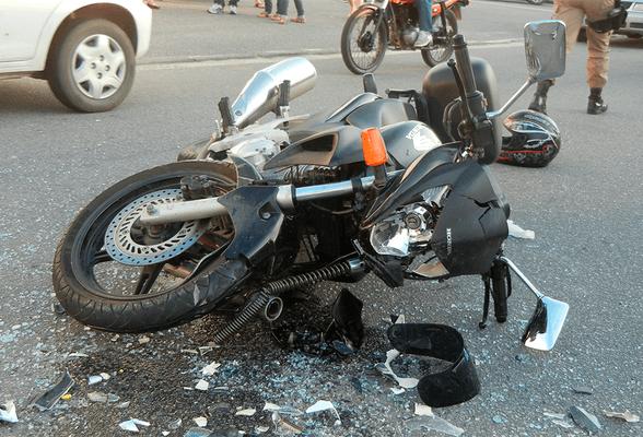 Sonhar com acidente de moto