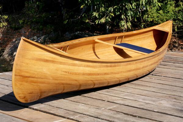 Sonhar com canoa