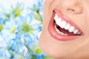Sonhar com dentes brancos