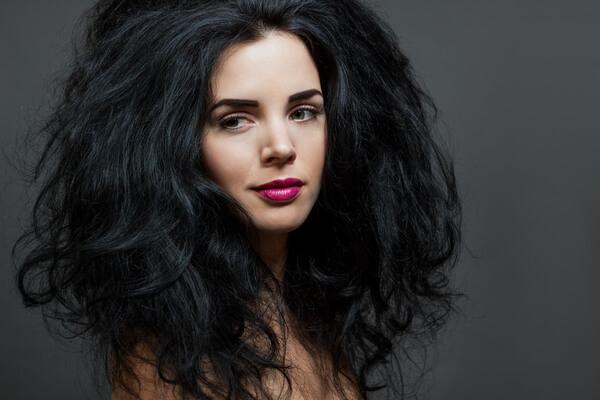 sonhar com cabelo preto