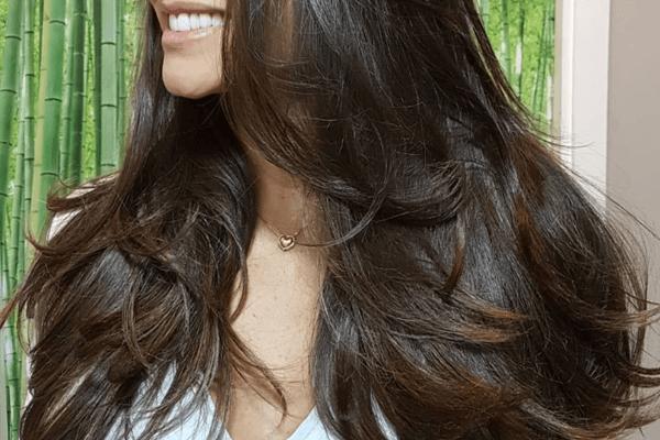 Sonhar com cabelo longo