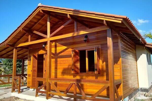 Sonhar com casa de madeira