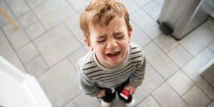 Sonhar com criança chorando