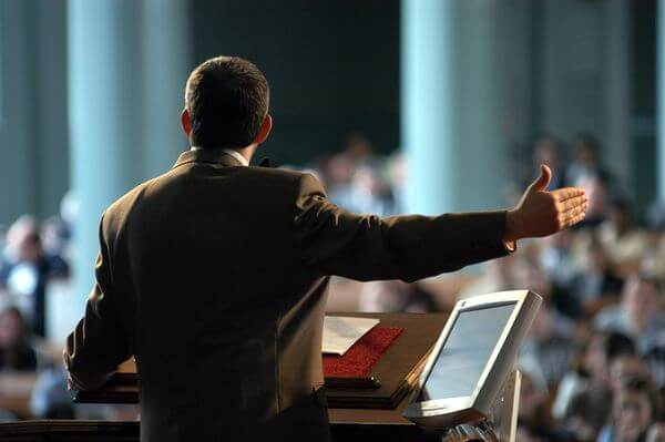 Sonhar com pastor