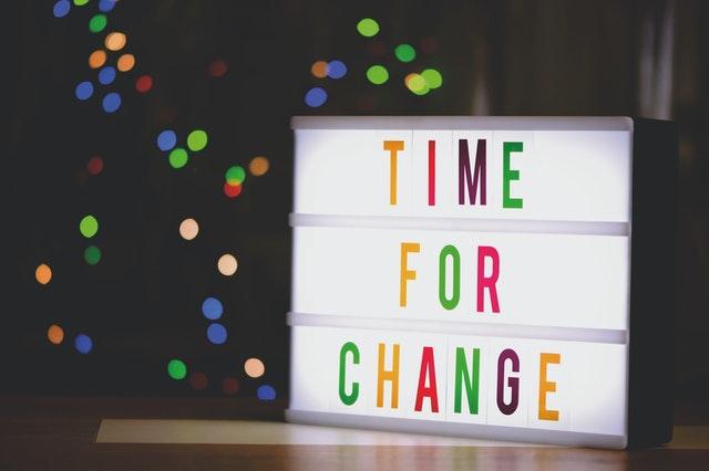 Como saber se é um bom mês para mudanças