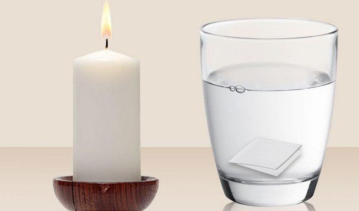 copo com água e vela