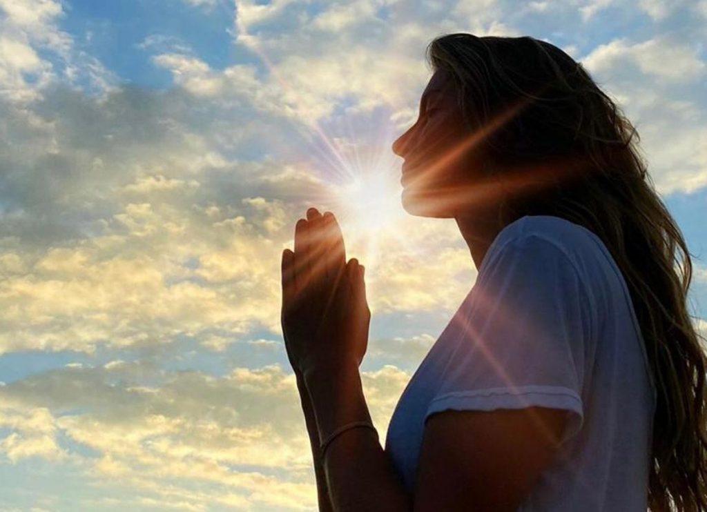 Versículos sobre oração: os melhores e mais tocantes!