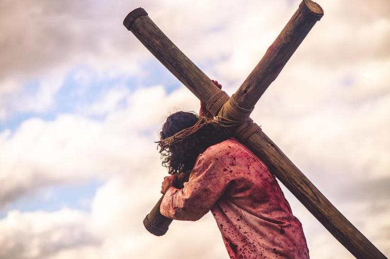 Cristo VIVE e está do seu lado: escute Sua palavra!