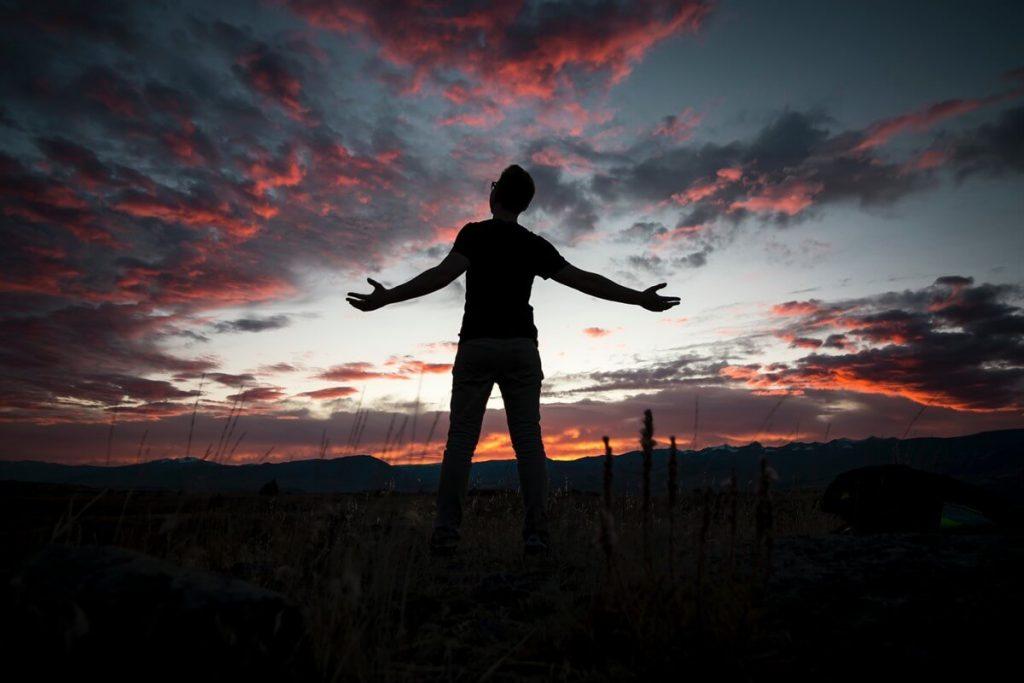 Aquele que entrega seu coração a Deus está livre dos pecados: veja porque!
