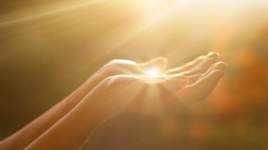 O justo tem a bênção do Senhor: Ele SEMPRE te dignificará!